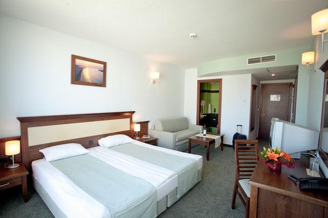 Хотел Лион Слънчев бряг - семейни/свързани стаи